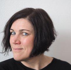 Annette (ak), Lektorin bei den Stadtbüchereien und verantwortlich für die Veranstaltungen in der Zentralbibliothek
