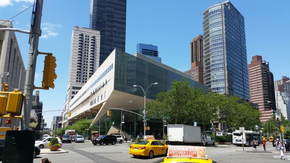 Tagungsort Juilliard-School am Lincoln-Center vom Broadway