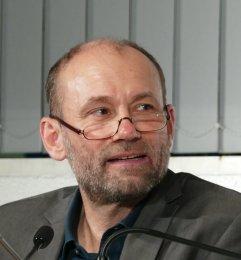 """Klaus Wallrath, Kantor an St. Margaretha (Gerresheim) war am 26.9.2017 Gast bei """"Musik im Gespräch!"""" in der Musikbibliothek."""