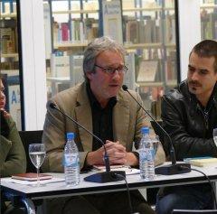"""Am 29.9.2015 zu Gast in der Zentralbibliothek: Sina Klein und Gerrit Wustmann zur Lesung """"Ausgezeichnet. Literatur aus NRW"""". In der Mitte ist Moderator Michael Serrer"""