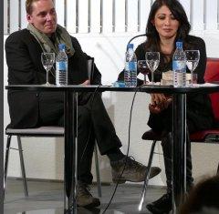 """Laksmi Pamuntjak war am 13.10.2015 mit """"Alle Farben rot"""" zu Gast bei uns. Olaf Reitz hat den deutschen Text gelesen."""
