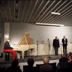 """Zu Gast bei uns am 28. Mai 2015: Stefan Ulbricht (Piano), Peter Welk und Sven-André Dreyer mit einem Düsseldorfer Literaturkonzert """"Sommeranfangsboogiewoogie"""" über Kurzgeschichten von O. Henry."""