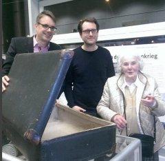 Für die Austellungseröffnung zum Bilker Bunker am 27.11.2015 waren Thorsten Graeßner, Ingo Schiweck und Helene Struth zu Gast in der Bücherei Bilk.