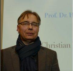 Am 1.12.2015 in der Musikbibliothek in der Reihe Musik im Gespräch! Christian Banasik, Komponist und Talkgast des Abends.