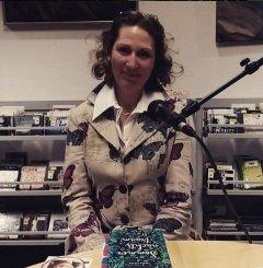 """Am 18.4.2016 war Tanya Lieske zu Gast in der Bücherei Benrath und hat im Rahmen der Reihe """"Montagsprosa in der Orangerie"""" aus ihrem Buch """"Sommernachtstraum"""" gelesen."""