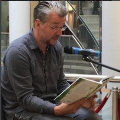 Martin Baltscheit, Autor und stellvertretender Vorsitzender des Freundeskreises der Stadtbüchereien war am 29.05.2016 zu Gast bei der Vorstellung der Freundeskreise in den Schadow-Arkaden und an unserem Stand.
