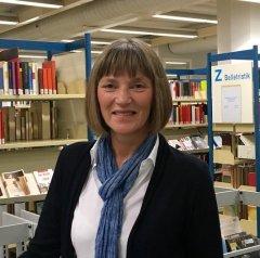 """Am 01.06.2016 war Stadtkämmerin Dorothée Schneider anlässlich der Schenkung des """"Bücheresels"""" (Bibliotheksfahrrad) in der Zentralbibliothek zu Gast und sprach über die Bedeutung des Stiftungswesens für Duesseldorf."""