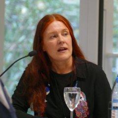 """Am 20. 09.2016 war Annegret Koerdt Gast in der Zentralbibliothek. Im Rahmen der Reihe """"Frisch gepresst"""" hat sie aus """"Pechschwarz"""" gelesen."""