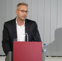 """Am 4.10.2016 war Dr. Steffen Bruendel Gast in der Zentralbibliothek und hat aus """"Jahre ohne Sommer. Europäische Künstler in Kälte und Krieg"""" gelesen."""