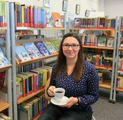 Annette (af), Lektorin bei den Stadtbüchereien
