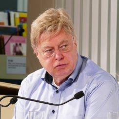 """Der Pianist Michael Rische war am 31.1.2017 Gast in der Musikbibliothek bei der Interviewreihe """"Musik im Gespräch!"""" mit Professor Dr. Hartwig Frankenberg"""