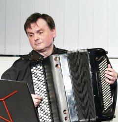 Am 30. Mai war Grzegorz Stopa (Akkordeon) Gast und musikalische Umrahmung in der Reihe Musik im Gespräch! in der Musikbibliothek.