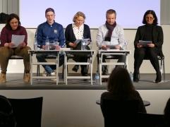 """""""Tausend Bilder und eins"""" - am 8.3.2018 stellte Dr. Angela Weber von der Heinrich-Heine-Universität gemeinsam mit Gästen ihr Buch in der Zentralbibliothek vor."""