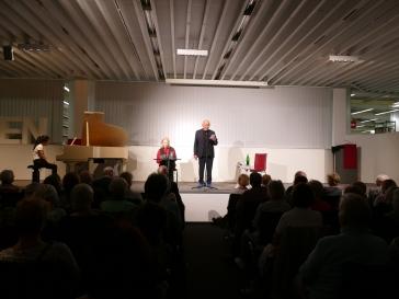 """Das Literaturkonzert am 12.04.2018 stand unter dem Thema: Goethe und Vulpius/""""Mit Goethe in wilder Ehe"""". Am Piano saß So-Young Jeon und begeisterte zusammen mit Peter Welk und Christiane Lemm das Publikum."""