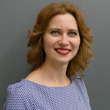 """Frau Anastasia Titovych (Pianistin und Korrepetitorin an der Deutschen Oper am Rhein) war am 27.11.2018 Gast in der Musikbibliothek im Rahmen der Reihe """"Musik im Gespräch!""""."""