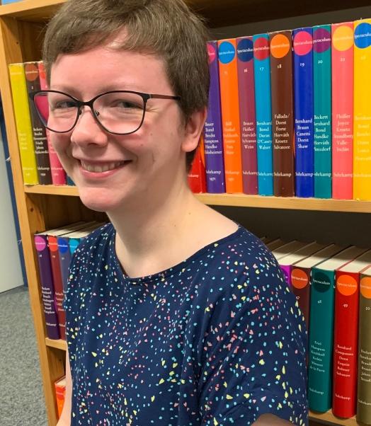 Astrid (an), Lektorin bei den Stadtbüchereien